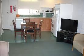 ... 1 Bedroom Cottage Living Area 3