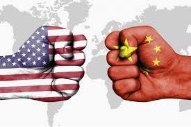 """Virus: Pékin """"au bord d'une nouvelle Guerre froide"""" avec les USA"""