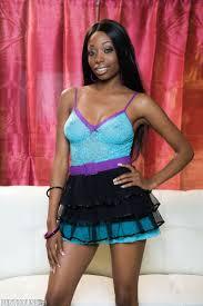 Courtney Foxxx Sexy black babe Courtney Foxxx. Online sexy.