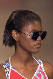 Cheveux Cr Pus Fris S Ou Liss S 21 Id Es De Coiffure Dont S