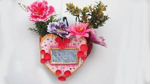 News Paper Flower Vase How To Make Flower Vase With Photo Frame Using Newspaper