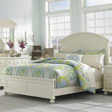 Louvered Bedroom Furniture Broyhill Furniture Seabrooke Queen Panel Bed With Arched Louvered