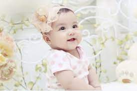 Kinh non trẻ sơ sinh là gì? Mẹ có nên lo lắng ở bé gái gặp hiện tượng này?