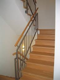 Treppe bolzentreppe gewndeltetreppe treppe mit setzstufen. Geschlossene Treppen Mit Setzstufen