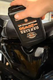 how to change oil in a harley davidson
