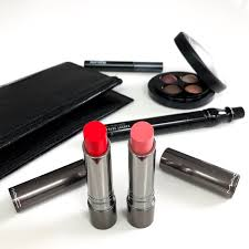 there is no doubt about it mac cosmetics has some of the lipsticks and in my opinion they are also very well d considering their quality