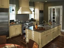 best kitchen cabinet paint10 Best Ideas About Kitchen Cupboard Paint Color  Reverbsf