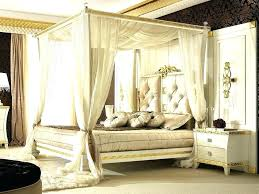 Mirror Canopy Bed Ideas With Nightstand And Table Lamps Mirrored ...