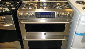 double oven gas range. We Spent Over 36 Hours Researching 10 Different Gas Ranges And Found That Oven Capacity, Range Type, Warranty Were Most Important. Double