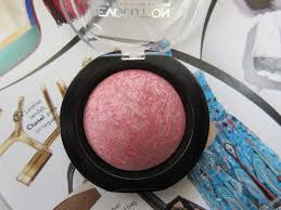 there may be a few hitisses with this brand like with their baked bronzer for me but otherwise i really like this brand