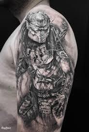 тату для мужчин на плече в стиле грейвош фото работ в каталоге тату
