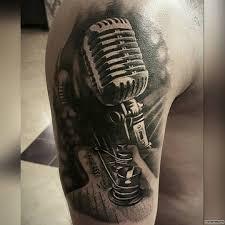 студийный микрофон тату на плече у парня добавлено иван вишневский