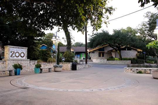 garage door repair near San Antonio Zoo