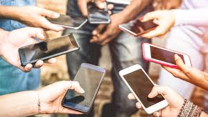 Canada province to ban mobile phones in public classrooms - BBC News
