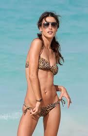 Julie Bowen in Hawaii         Julie Bowen Hawaii     Celebrity Sizes Teri Hatcher Bikini Photos in Hawaii With Emerson