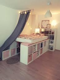 Ein Hochbett Aus Ikea Kallax Regalen Aguilera Family Apartment