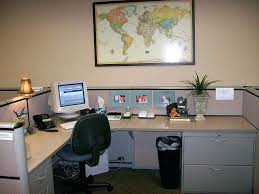 decorate office at work ideas. Decorating Office For Christmas Cheap How To Decorate Your Ideas Amusing Ways At Work Space With Desk Wit