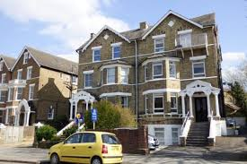 Flat To Rent In Kew Gardens Road, Kew, Richmond, Surrey