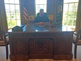 oval office history. Desk In The Oval Office W Bush Presidential Library And Museum  At . History
