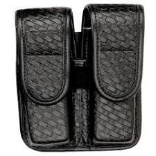 Double Magazine Pouch With Handcuff Holder Bianchi AccuMold Elite 100 Double Magazine Pouch 80