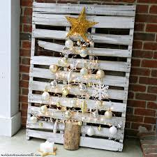 easy diy pallet christmas tree