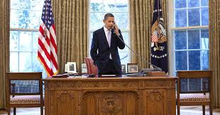 obama oval office. Here\u0027s The Real Purpose For Barack Obama\u0027s Oval Office Red Button, According To Richard Branson | PEOPLE.com Obama O