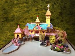 Amazing Look Real Hello Kitty House Miniature Model with Garden and Pool  Design for Inspiring Hello