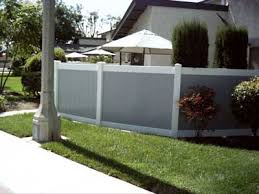 Vinyl privacy fence colors Certagrain This Residential Fence Installation In Stanton Ca Features Grey And White Vinyl Fence This Client Wanted Basic Solid Privacy Fence But Also Chose Two Discount Fence Supply Inc Country Estate Vinyl Privacy Fencing Gallery Orange County Ca