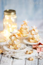 vanilla pudding puff pastry christmas party food ideas
