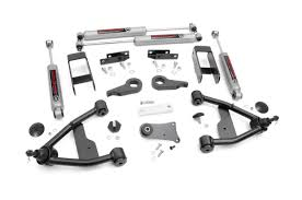 2 5in suspension lift kit for 82 04 chevy 4wd s10 gmc s15 24230 rough country suspension systems