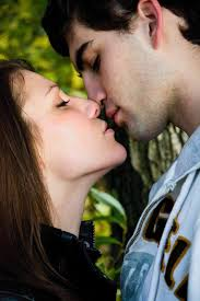 hot couple kissing p hd wallpapers images hd wallpapers