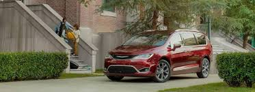 Comparing The 2018 Chrysler Pacifica Models Zeigler