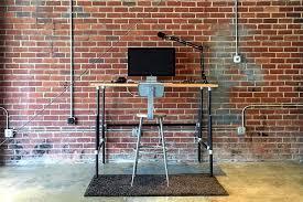 diy standing desk pipe. Exellent Standing 10 DIY Standing Desks Made With Pipe And Kee Klamp Inside Diy Desk N