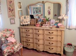 I Have A French Provincial Bedroom Set Made By The Continental