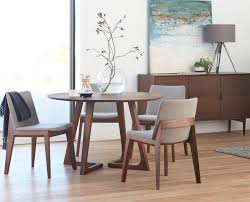 small round dining table with chairs