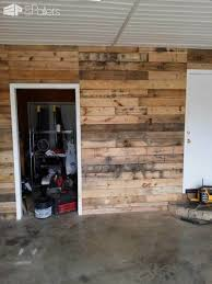 pallet wood walls make great beginnings for man caves or she ss