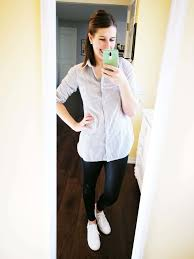 how to wear faux leather leggings in summer or spring casual outfit idea for moms