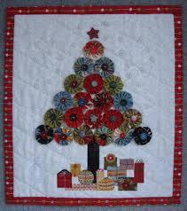 Jovial Christmas Tree Wall Hanging Â« Moda Bake Shop & Jovial Christmas Tree Wall Hanging Adamdwight.com