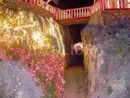 Christmas lights cave decoration. (Beautiful Christmas lights decorations)