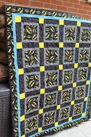25+ unieke ideeën over Batman sdtikwerk op Pinterest - Gehaakte ... & Easy to sew child's batman quilt. Directions for sewing a small ... Adamdwight.com
