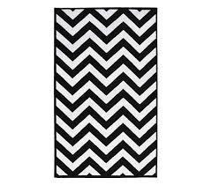 Black And White Dorm Decorating - Chevron College Rug - Black and White