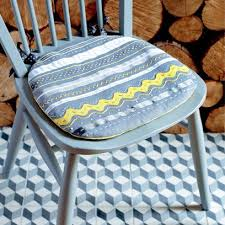 how to make a seat cushion so you ve found the perfect wooden chairs all they need are some cushions red co uk has a great guide on how