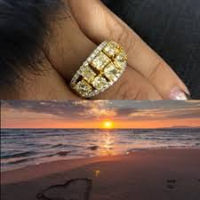 photo of valla jewelry los angeles ca united states hold on to