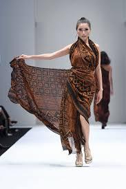 Batik Fashion Designers The Revival Of Batik Kl Fashion Week 2017 Batik Bubbles