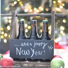 diy chalkboard beer caddy to leave messages