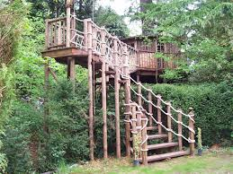 10 Towering Treehouses To Rent In QuébecTreehouse Lake District