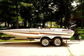 the under 10k bass boat buyers guide baybass outdoors bass cat pantera ii bass cat builds a great boat and their 19 pantera ii built in the late 80 s through mid 90 s will be in your price range