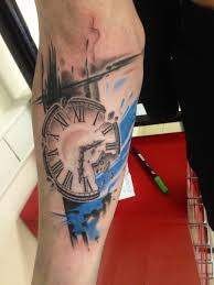часы на руке сделано в Inkfactory
