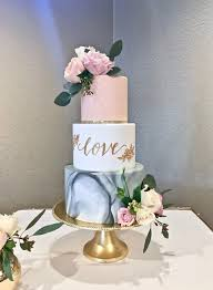 Modern Wedding Cakes You Wont Want To Miss Chwv