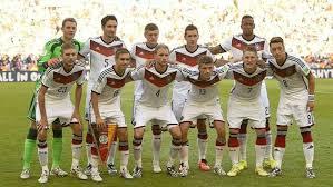 Wm 2014 toni kroos autogramm. Wm 2014 Sieg Im Finale Gegen Argentinien Deutschland Holt Den Wm Pokal Und Den Vierten Stern Sport Tagesspiegel